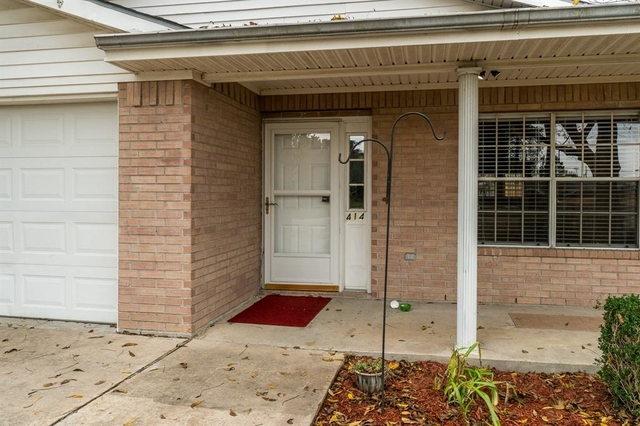 3 Bedrooms, Tomball Rental in Houston for $1,700 - Photo 2