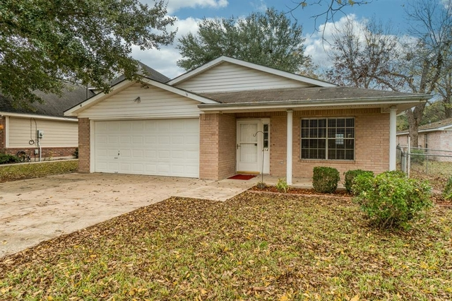 3 Bedrooms, Tomball Rental in Houston for $1,700 - Photo 1