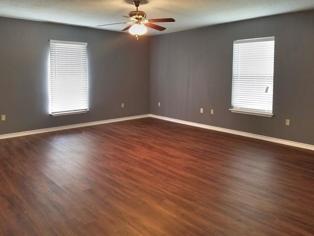 3 Bedrooms, Tomball Rental in Houston for $1,600 - Photo 1