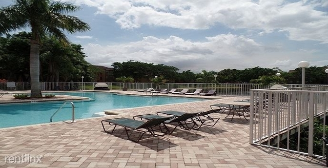 2 Bedrooms, Ponte Verde at Palm Beach Lakes Rental in Miami, FL for $1,250 - Photo 2