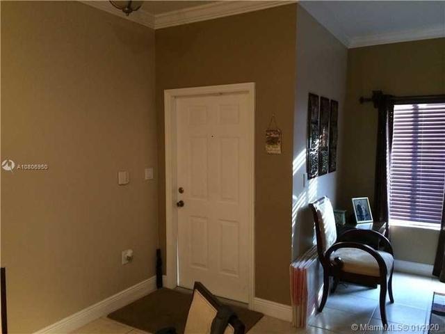3 Bedrooms, Century Park Rental in Miami, FL for $2,150 - Photo 2