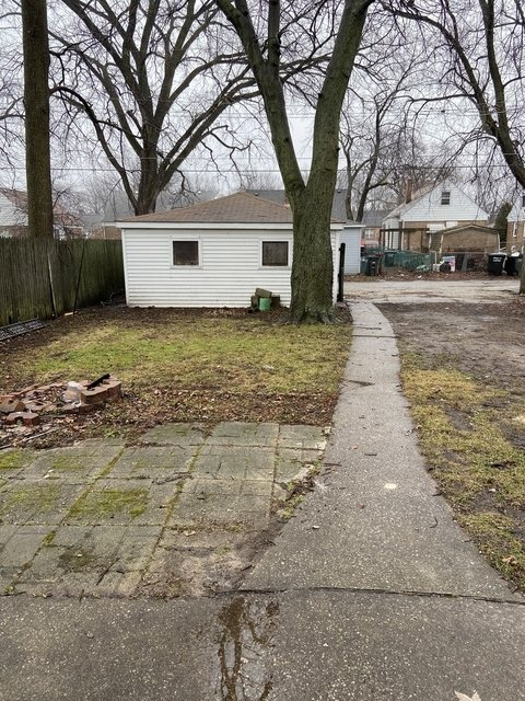 3 Bedrooms, Thornton Rental in Chicago, IL for $1,590 - Photo 2