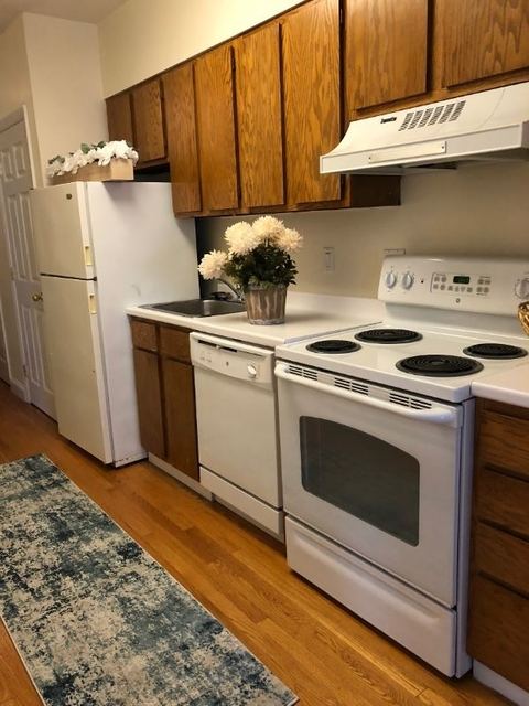 1 Bedroom, Prudential - St. Botolph Rental in Boston, MA for $3,100 - Photo 2