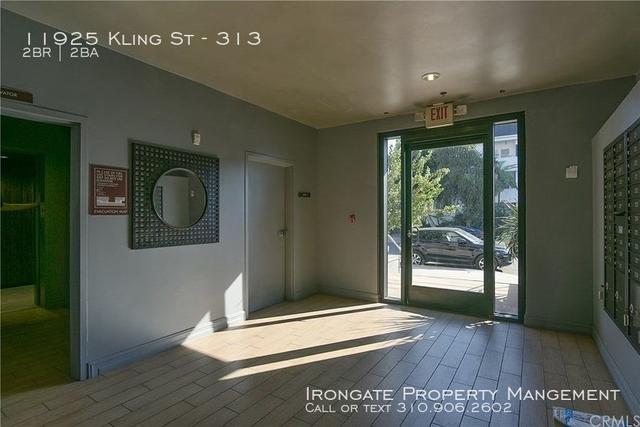 2 Bedrooms, Valley Village Rental in Los Angeles, CA for $2,695 - Photo 2