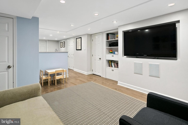 2 Bedrooms, Mount Pleasant Rental in Washington, DC for $2,300 - Photo 2