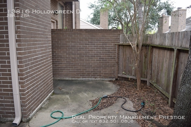 2 Bedrooms, Westhollow Villa Townhome Rental in Houston for $1,385 - Photo 2