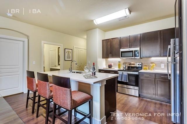 1 Bedroom, Stevens Park Village Rental in Dallas for $1,270 - Photo 2