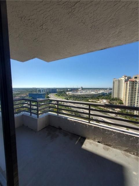 2 Bedrooms, Aventura Rental in Miami, FL for $1,800 - Photo 1