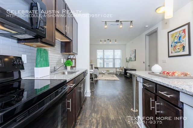2 Bedrooms, Downtown Fort Worth Rental in Dallas for $1,670 - Photo 2