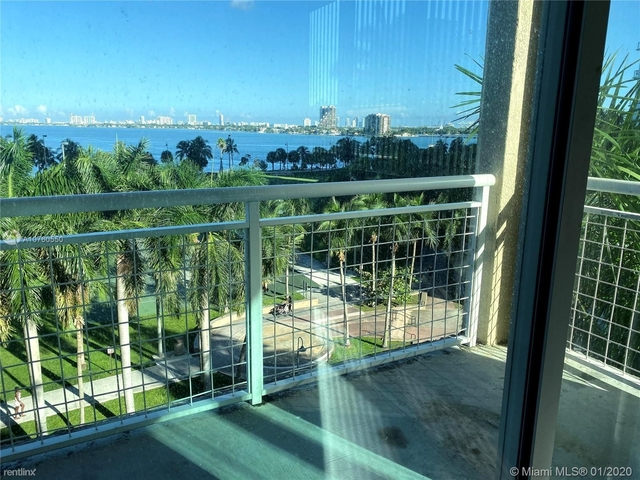 3 Bedrooms, Media and Entertainment District Rental in Miami, FL for $3,300 - Photo 1