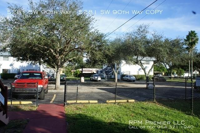 2 Bedrooms, Cooper Colony Estates Rental in Miami, FL for $1,275 - Photo 1