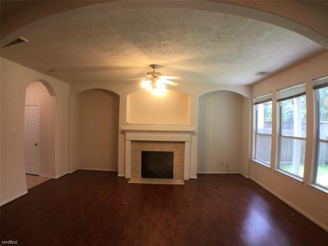 3 Bedrooms, Alden Bridge Rental in Houston for $1,800 - Photo 2