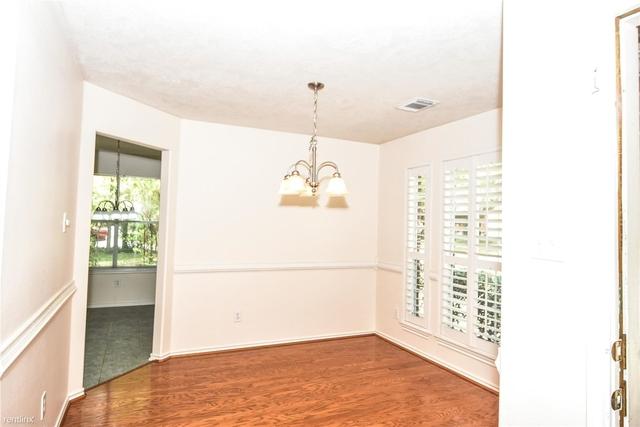 3 Bedrooms, Alden Bridge Rental in Houston for $1,775 - Photo 2