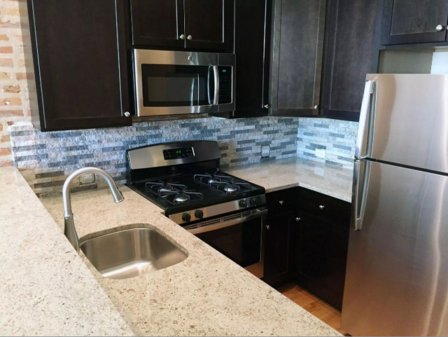 2 Bedrooms, River West Rental in Chicago, IL for $2,200 - Photo 2