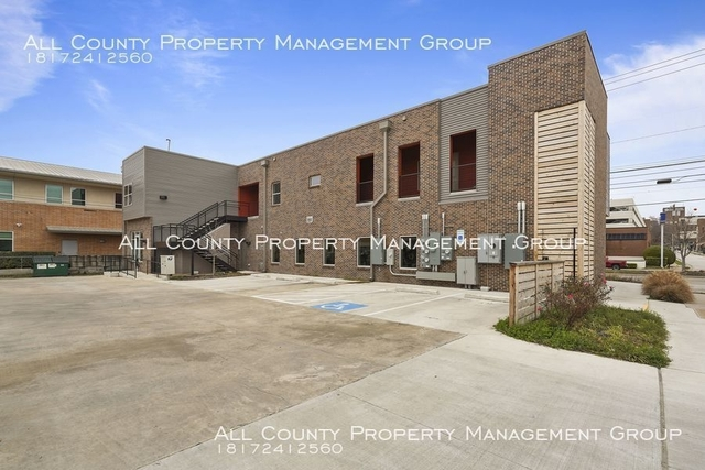 2 Bedrooms, Tarrant County Rental in Dallas for $1,595 - Photo 1
