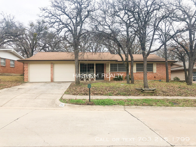 3 Bedrooms, Stonegate Bedford Rental in Dallas for $1,450 - Photo 1