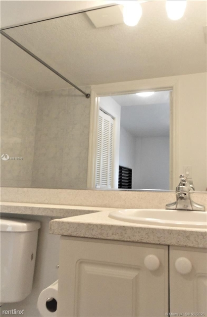 1 Bedroom, Brickell Rental in Miami, FL for $1,625 - Photo 2