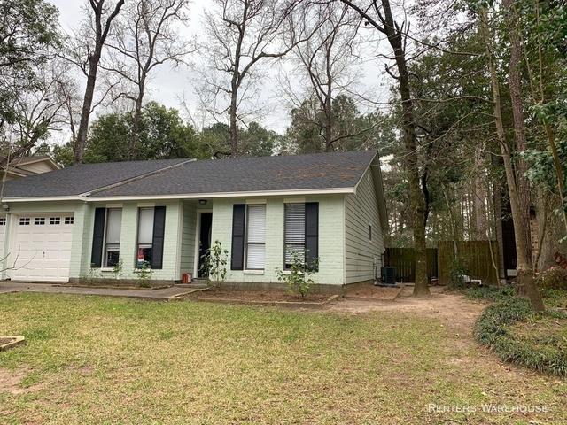 3 Bedrooms, Grogan's Mill Rental in Houston for $1,725 - Photo 2