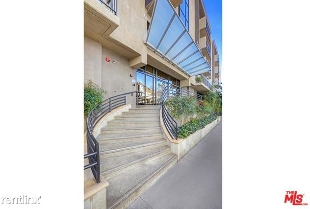 2 Bedrooms, Hollywood Hills West Rental in Los Angeles, CA for $3,400 - Photo 1