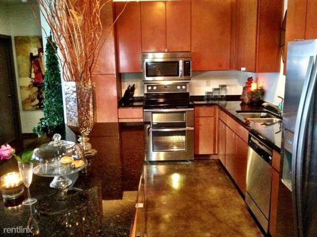 1 Bedroom, Government District Rental in Dallas for $1,275 - Photo 2