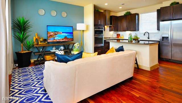 2 Bedrooms, Grogan's Mill Rental in Houston for $1,985 - Photo 2