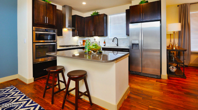 2 Bedrooms, Grogan's Mill Rental in Houston for $1,985 - Photo 1