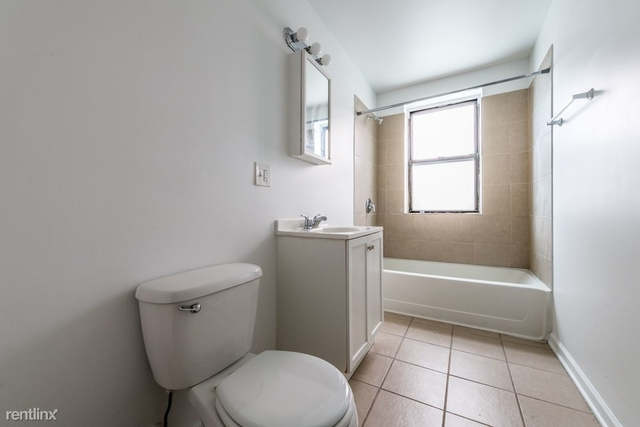 2 Bedrooms, Hyde Park Rental in Chicago, IL for $1,215 - Photo 1