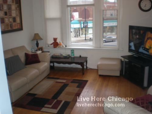 3 Bedrooms, Lakeview Rental in Chicago, IL for $2,250 - Photo 2