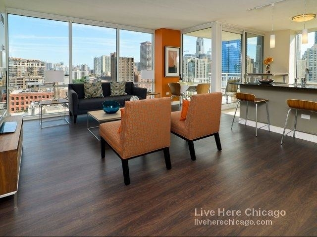 2 Bedrooms, River North Rental in Chicago, IL for $3,160 - Photo 1