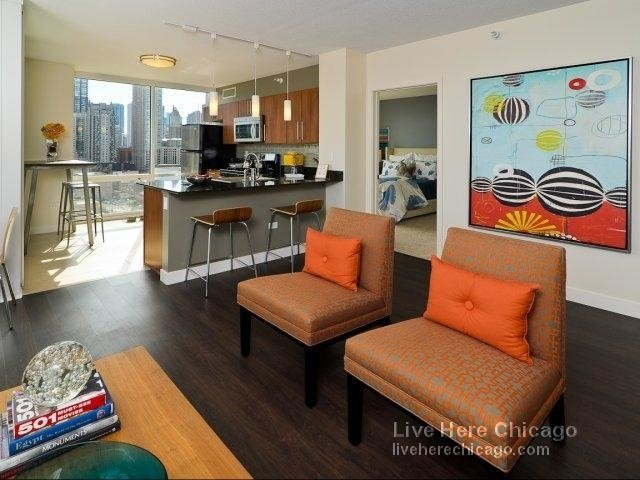 2 Bedrooms, River North Rental in Chicago, IL for $3,185 - Photo 2
