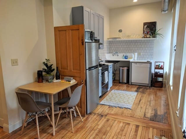 2 Bedrooms, Pilsen Rental in Chicago, IL for $1,800 - Photo 2