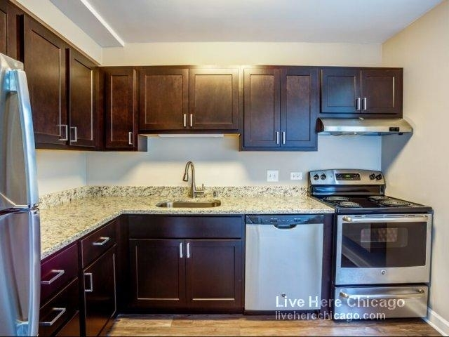 2 Bedrooms, River North Rental in Chicago, IL for $3,355 - Photo 1