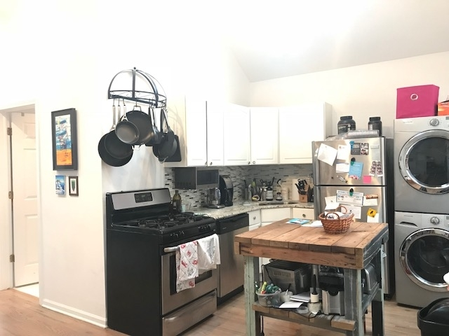 2 Bedrooms, Wrightwood Rental in Chicago, IL for $2,460 - Photo 2