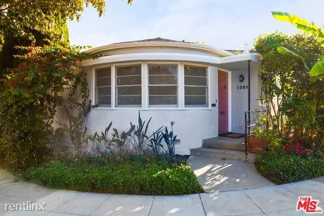 2 Bedrooms, Westwood Rental in Los Angeles, CA for $3,600 - Photo 1