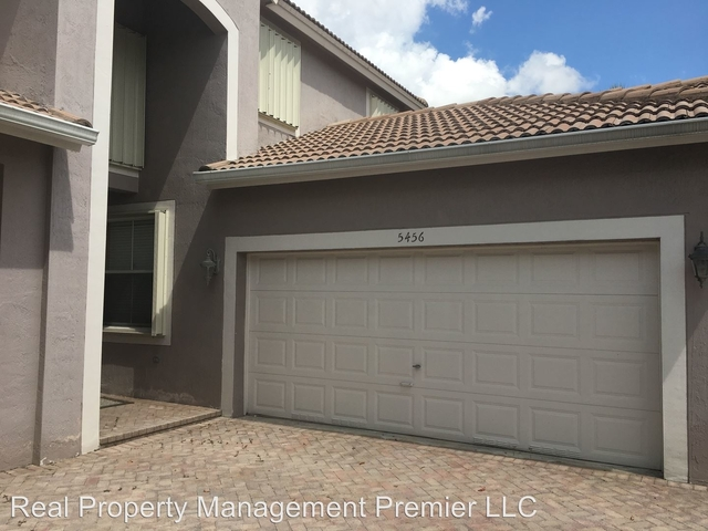 4 Bedrooms, Windham Rental in Miami, FL for $3,000 - Photo 2