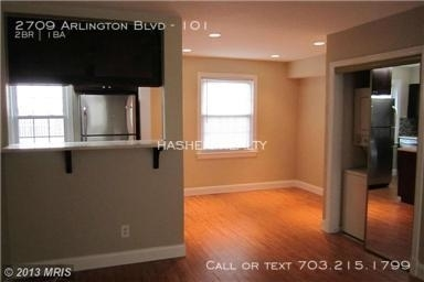 2 Bedrooms, Lyon Park Rental in Washington, DC for $1,900 - Photo 2