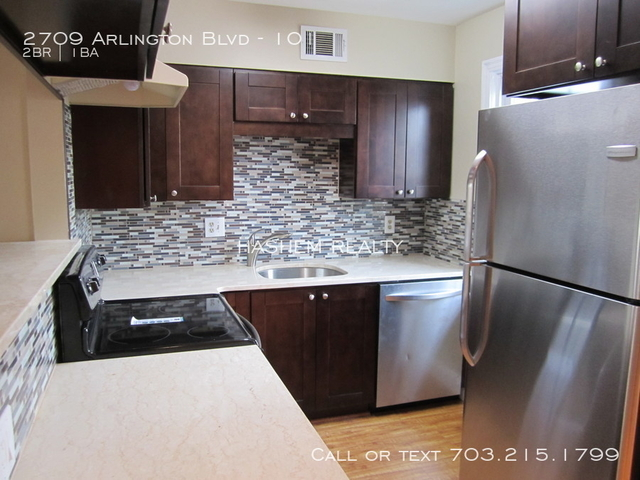 2 Bedrooms, Lyon Park Rental in Washington, DC for $1,900 - Photo 1