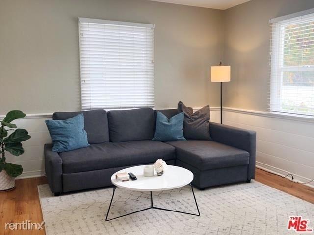 2 Bedrooms, Sherman Oaks Rental in Los Angeles, CA for $3,600 - Photo 2