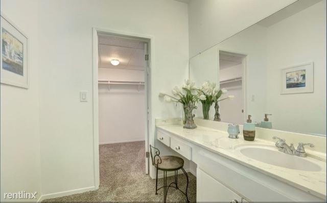 2 Bedrooms, Sherman Oaks Rental in Los Angeles, CA for $3,100 - Photo 2