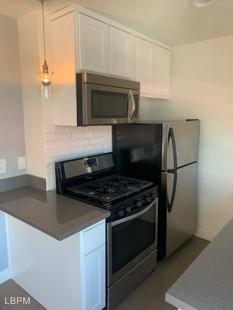 1 Bedroom, Hollywood United Rental in Los Angeles, CA for $1,700 - Photo 1