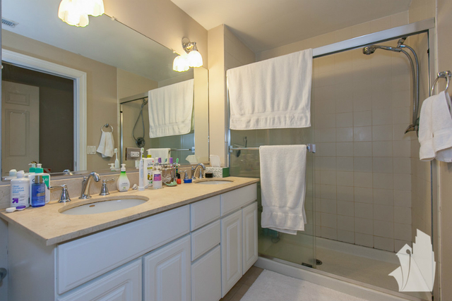 2 Bedrooms, Lakeview Rental in Chicago, IL for $3,000 - Photo 2