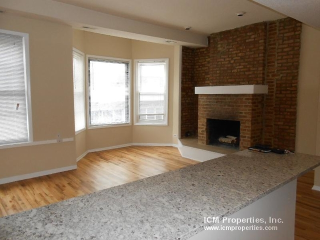 2 Bedrooms, Wrightwood Rental in Chicago, IL for $2,350 - Photo 2