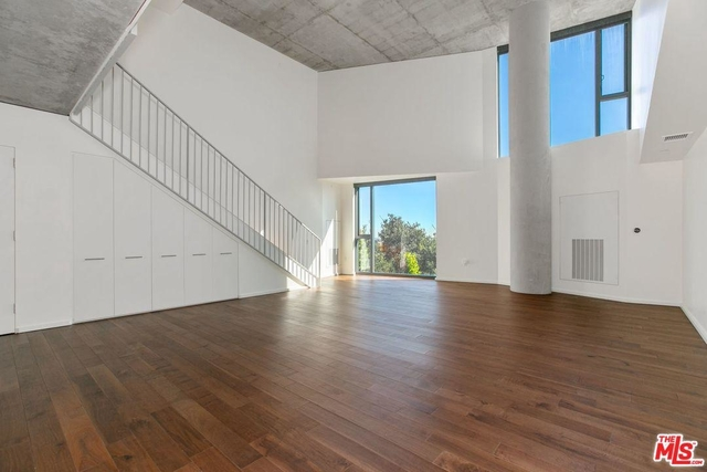 2 Bedrooms, West Hollywood Rental in Los Angeles, CA for $12,000 - Photo 2