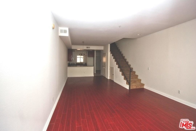 3 Bedrooms, Greater Wilshire Rental in Los Angeles, CA for $3,500 - Photo 2