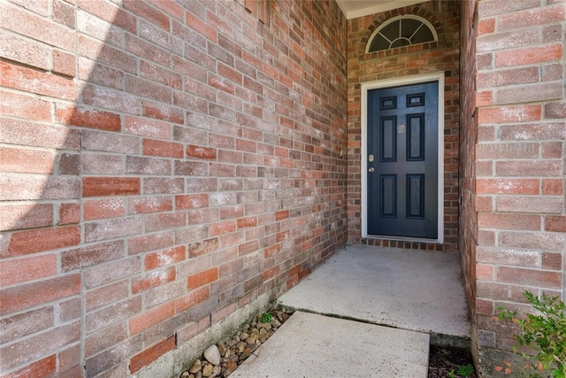 3 Bedrooms, Lakewood Cove Rental in Houston for $1,495 - Photo 2