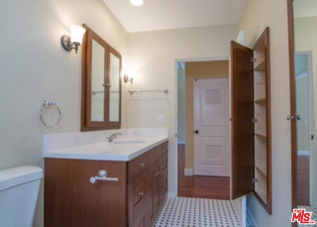 2 Bedrooms, Hollywood Hills West Rental in Los Angeles, CA for $3,995 - Photo 2