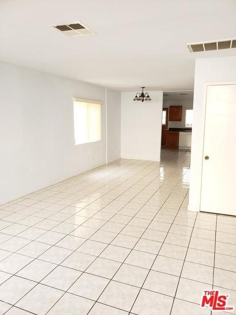 3 Bedrooms, Van Nuys Rental in Los Angeles, CA for $2,500 - Photo 2
