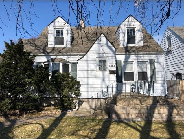3 Bedrooms, Thornton Rental in Chicago, IL for $1,500 - Photo 1