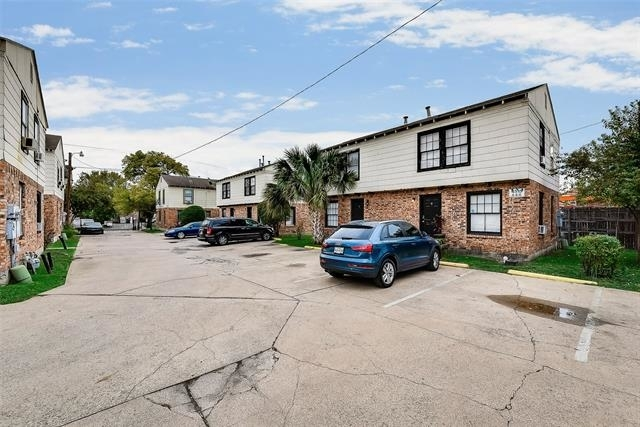2 Bedrooms, Central Dallas Rental in Dallas for $875 - Photo 2