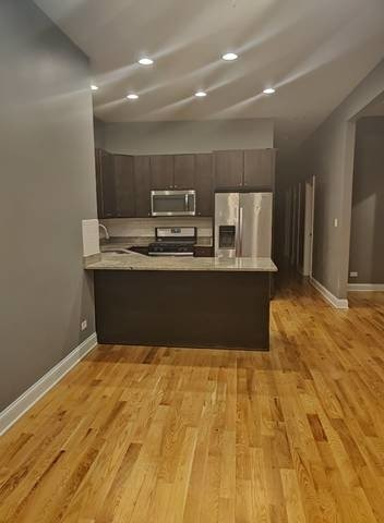 5 Bedrooms, Woodlawn Rental in Chicago, IL for $2,500 - Photo 2
